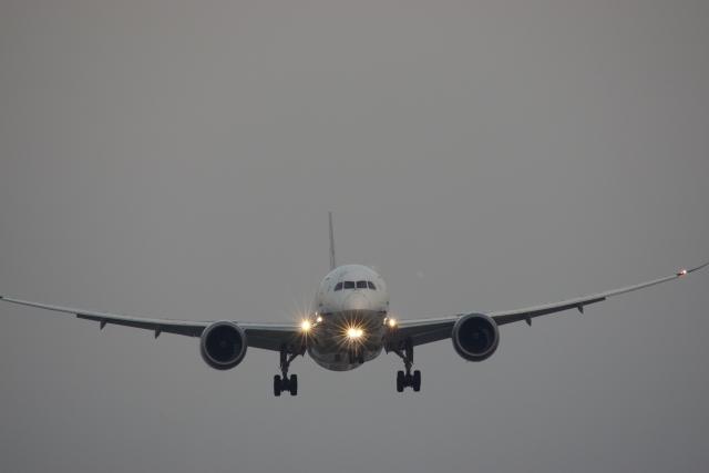 新幹線と飛行機どちらを選ぶべきか