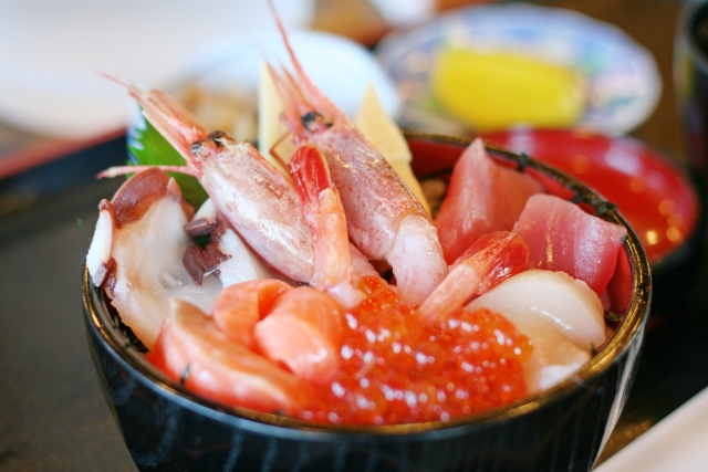 絶対うまいわこの海鮮丼