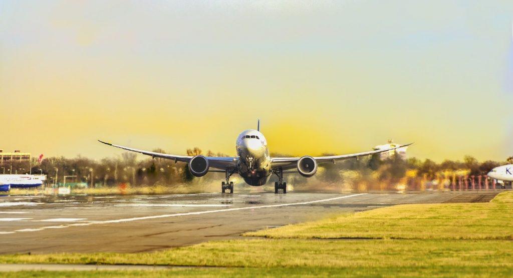 福井に飛行機で行くなら小松空港が便利!空港から福井まで行く方法