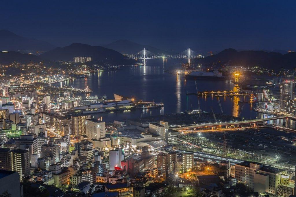 長崎へは飛行機がお得で便利!航空券は早めの予約がおすすめです!