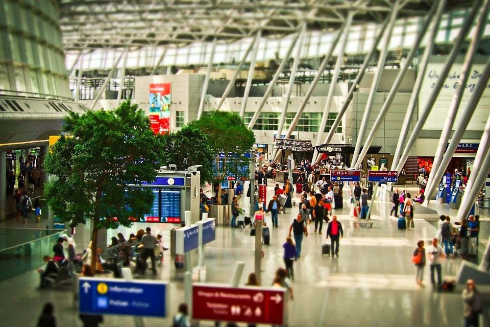 【最安】飛行機を当日でも格安運賃で予約購入できる方法・コツ|航空券は当日空港でも購入可能?